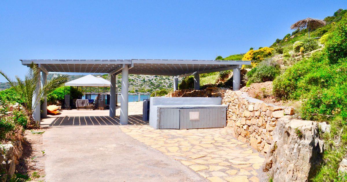 Location de maison à Lipsi : la Villa M avec sa plage privée